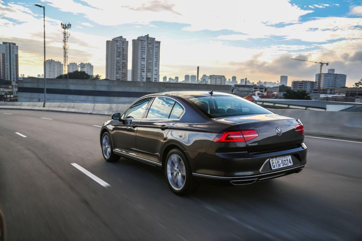 VW Passat 2018 chega em versão única