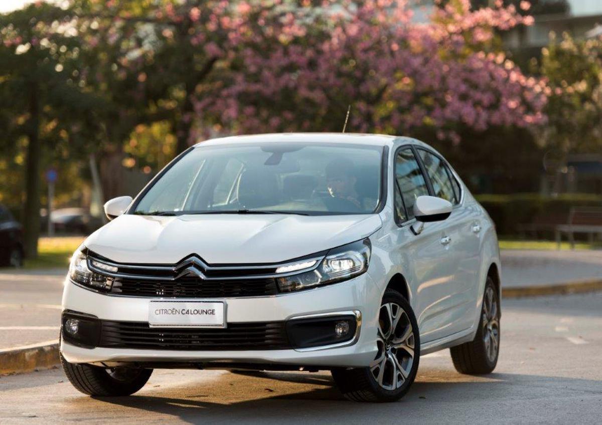 Citroën C4 Lounge estreia mais equipado e com novo visual