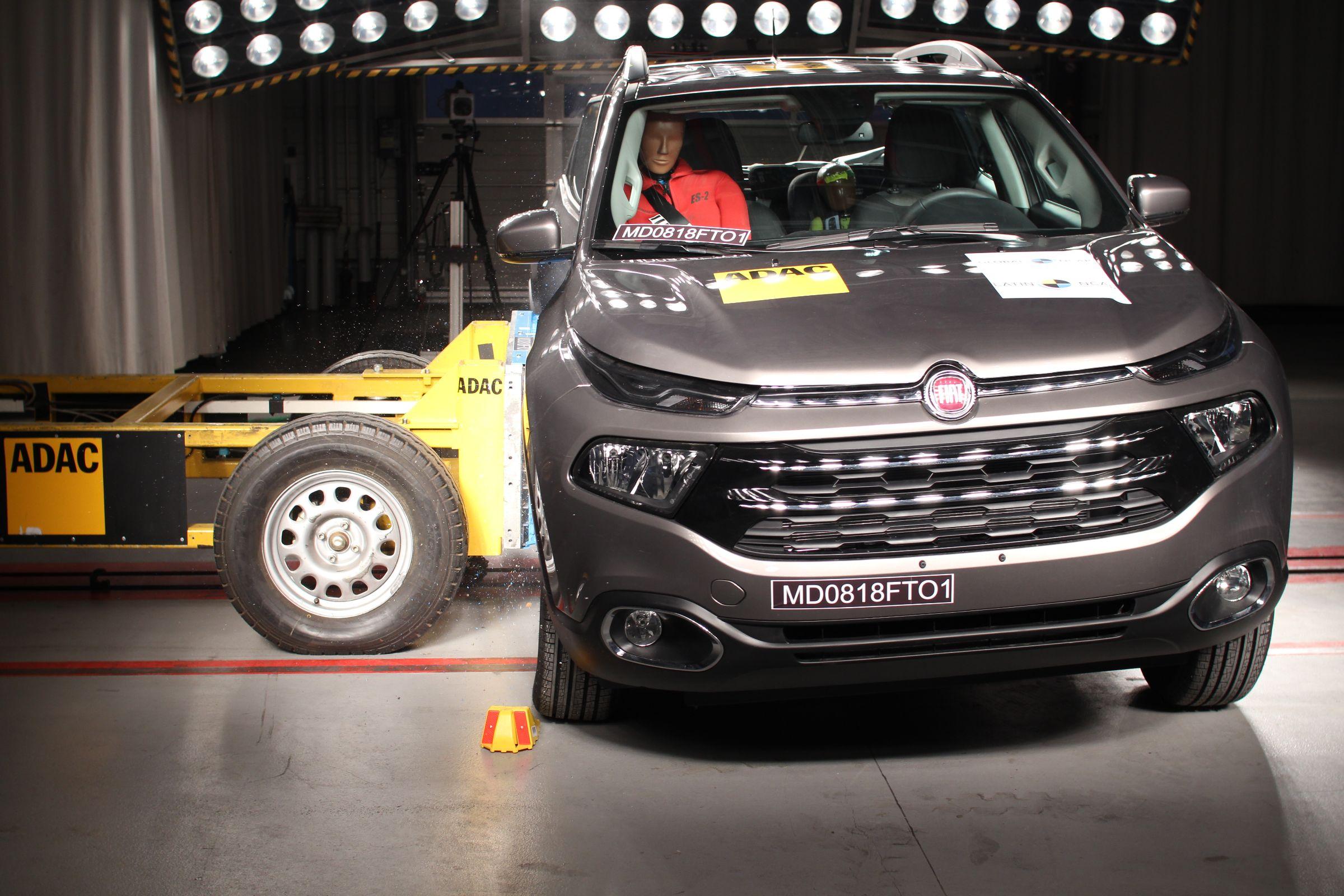 O Latin NCAP divulgou os resultados do crash test da Fiat Toro: picape conquistou quatro estrelas de proteção para crianças e adultos. Apenas dois quesitos não foram bem atendidos pelo modelo produzido no Brasil.