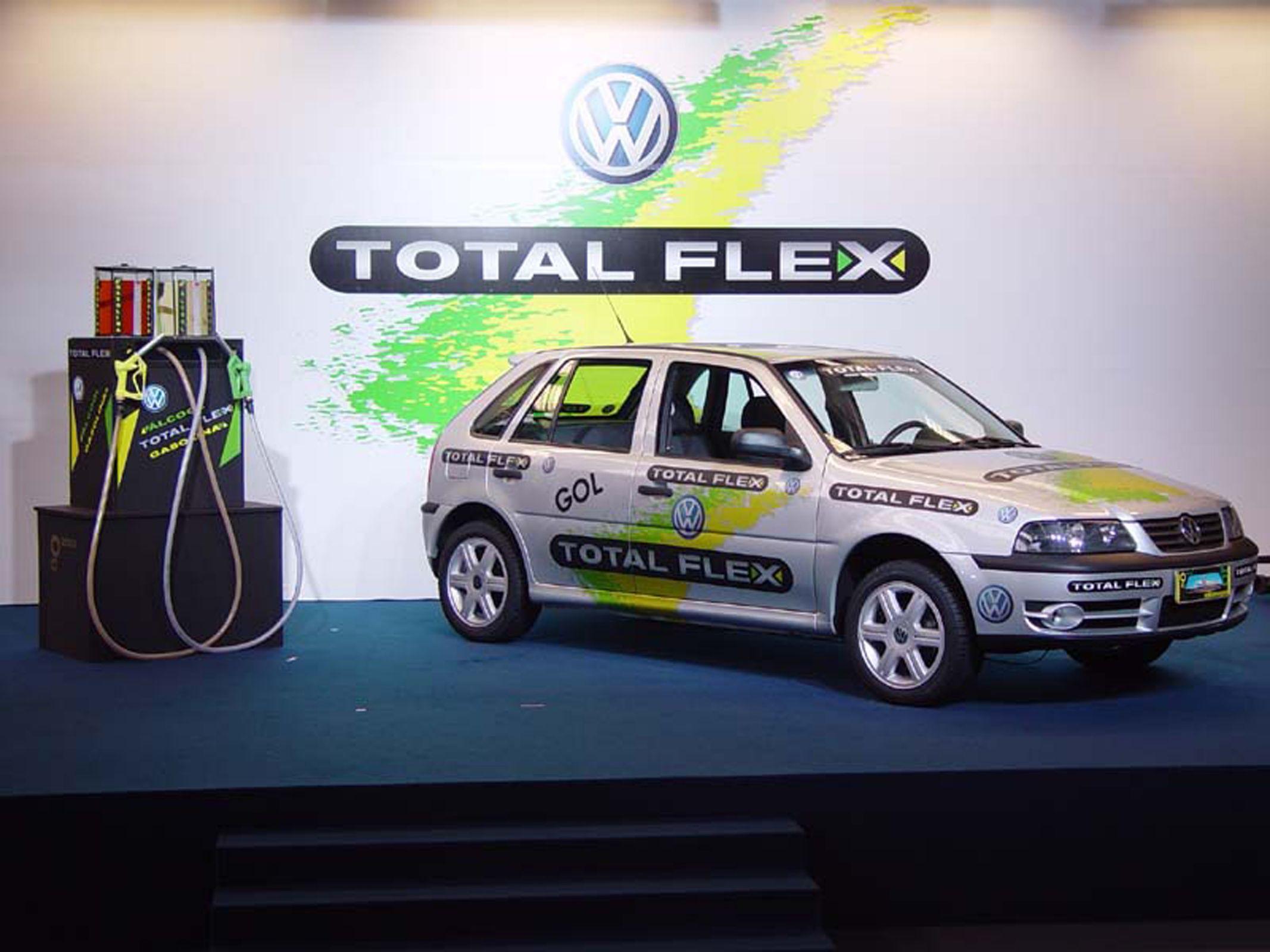 Etanol ou gasolina: Gol primeiro carro flex do Brasil