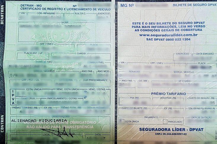 Certificado de Registro de Veículo (CRLV) com foco na observação alienação fiduciária