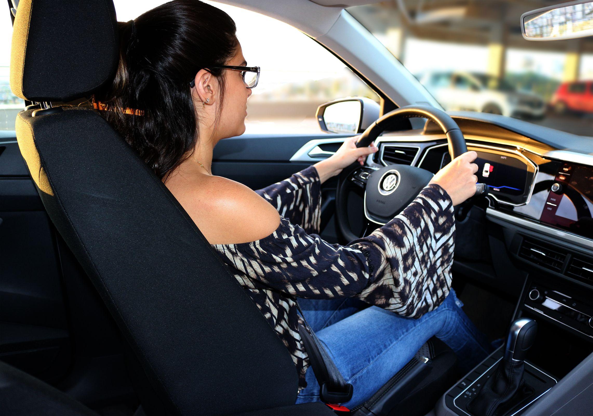 Você está atento à sua saúde no carro? Confira 13 dicas para postura que garantem de bem-estar, segurança e evitam traumas, lesões e dores musculares.