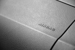 Maracutaia em carro usado pode envolver até airbag