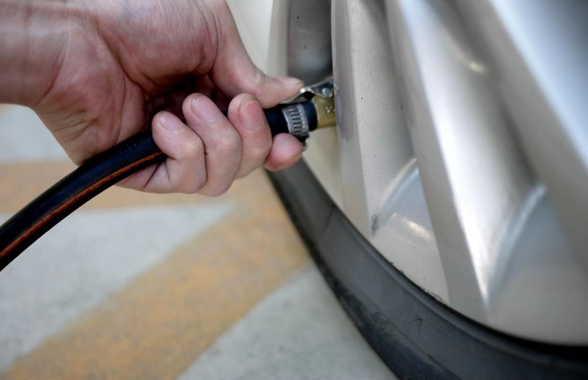 Areia? Reduza a pressão dos pneus em 10 libras! calibragem