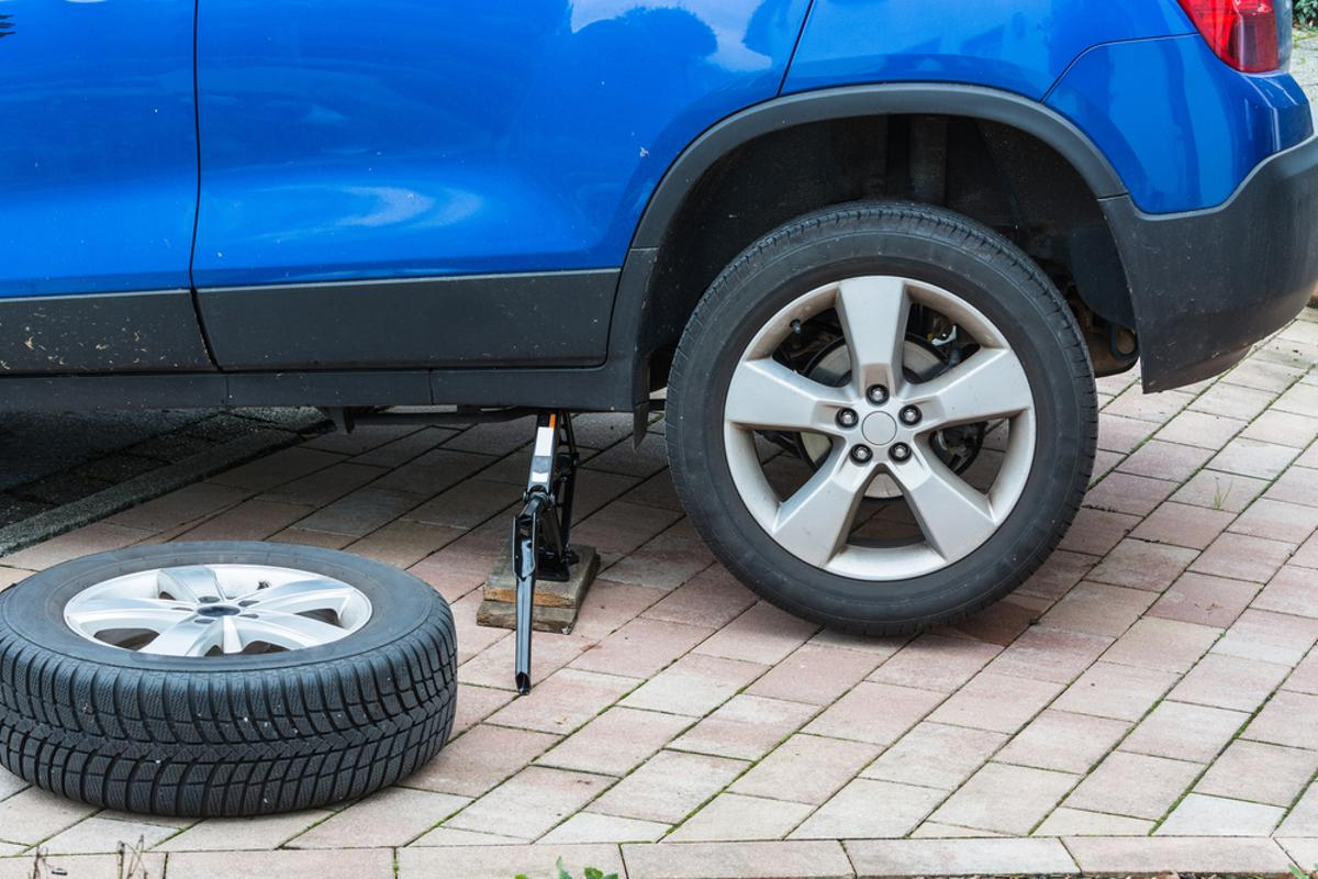 troca pneu traseiro