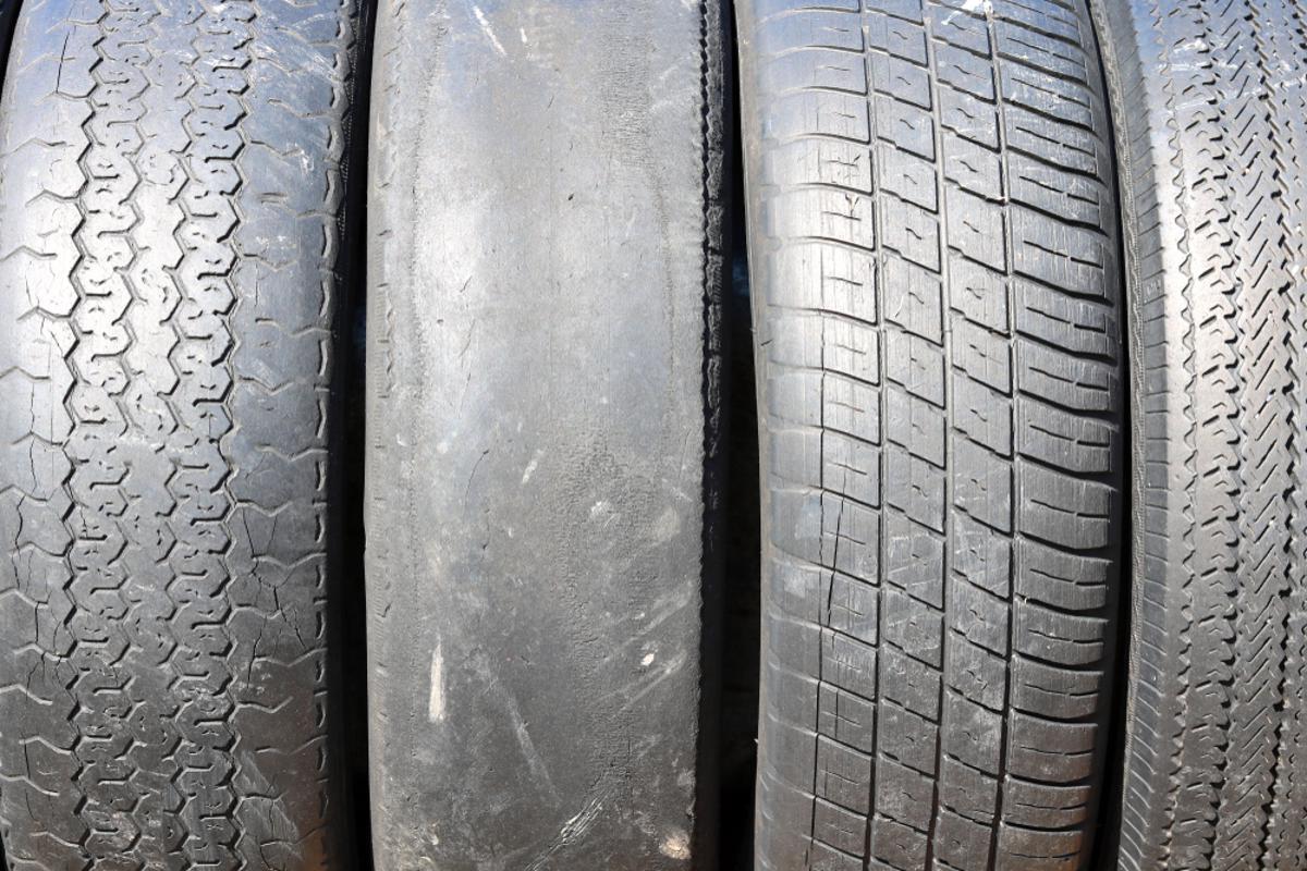 pneus com poucos frisos