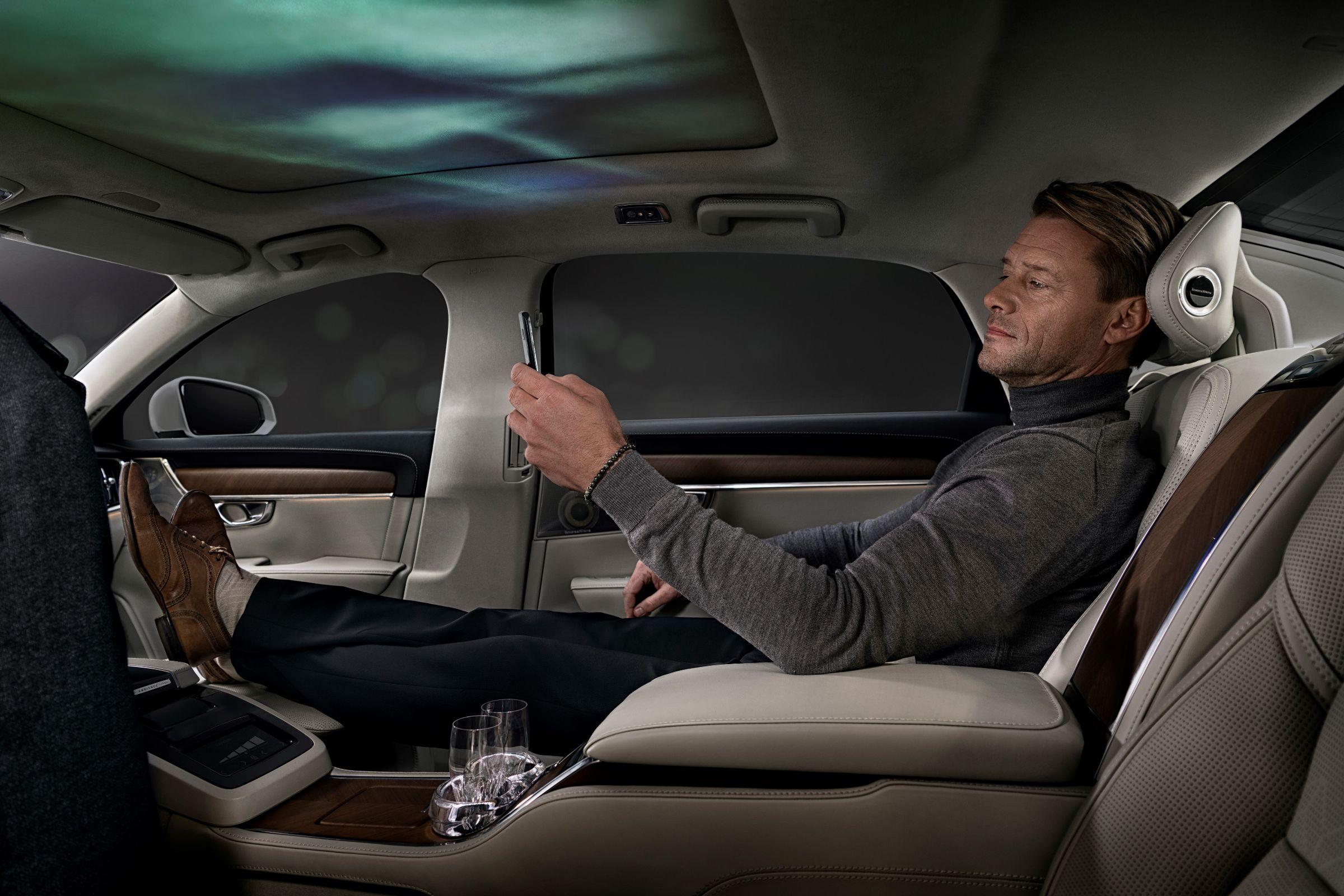 Muitas novidades foram apresentadas no Salão do Automóvel de Pequim. Separamos alguns conceitos grandões que deram o que falar por inovarem no visual, sensorial e na motorização.