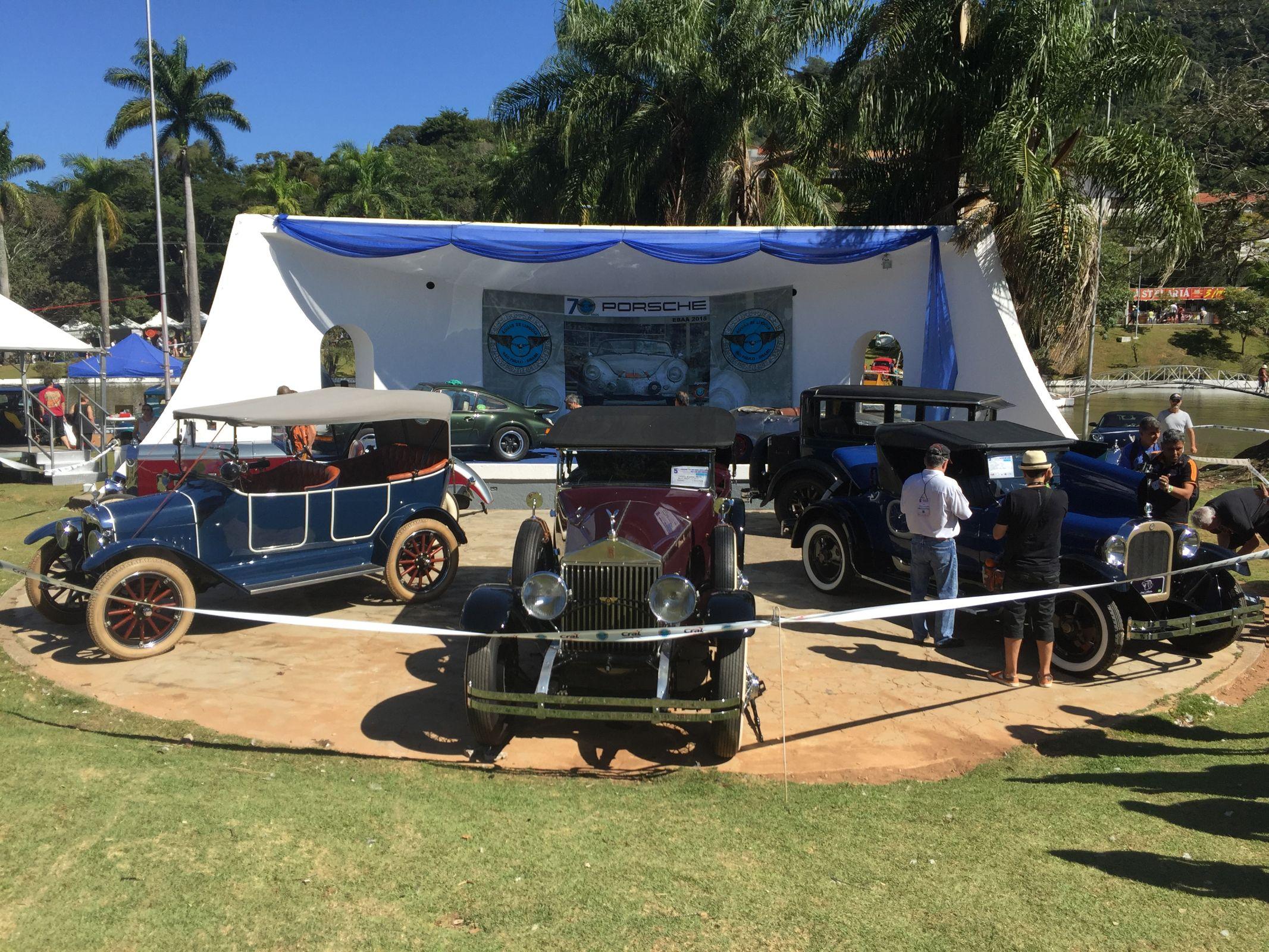 Voltado para o comércio, edição 2018 do encontro de carros antigos Águas de Lindóia, em SP, reuniu cerca de 1.300 veículos de coleção.