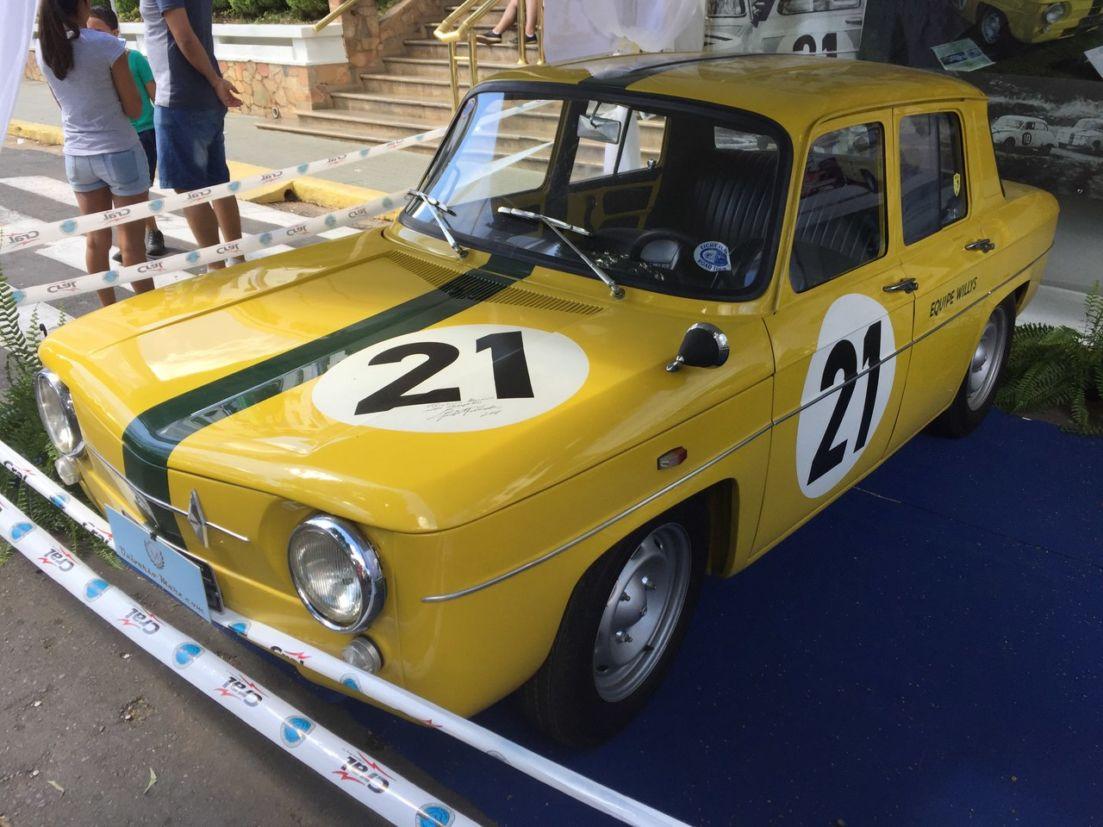 Renault R8 no encontro de carros antigos de Águas de Lindóia 2018