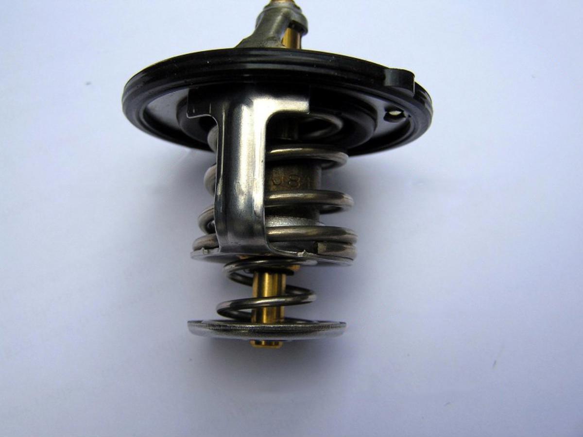 double valve automotive thermostat