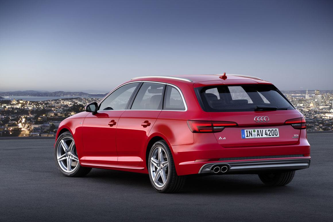 Audi convoca os modelos A4 Sedan, Avant e A5 Sportback para recall dos frisos de alumínio do acabamento dos alto-falantes dianteiros e traseiros.