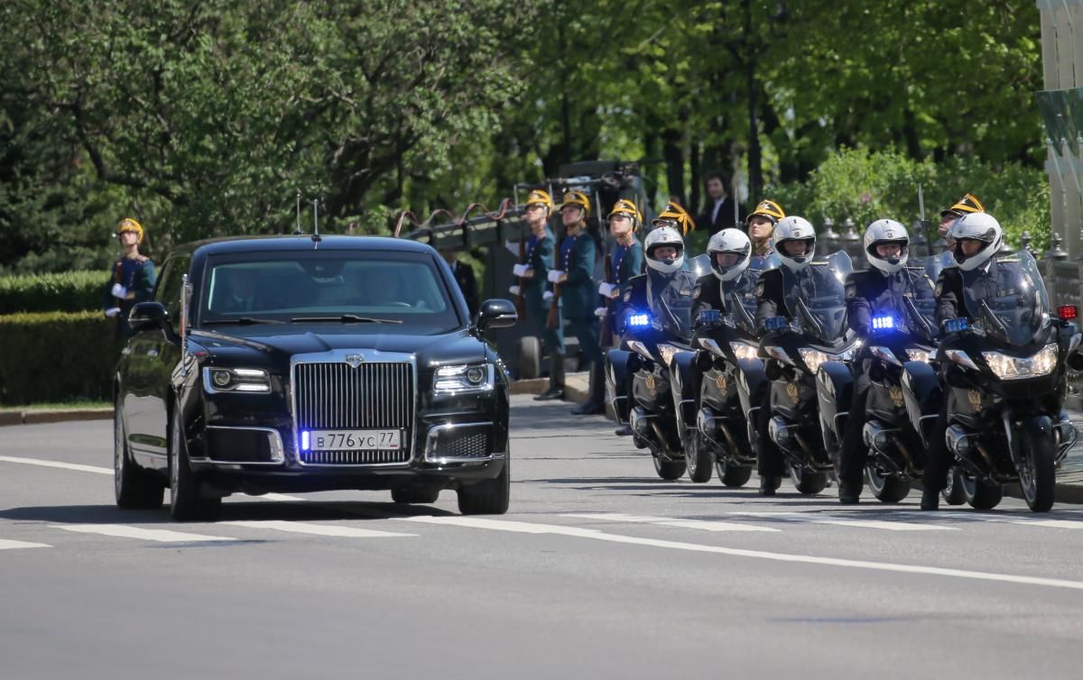 limousine russa de putin trump e putin melhor carro