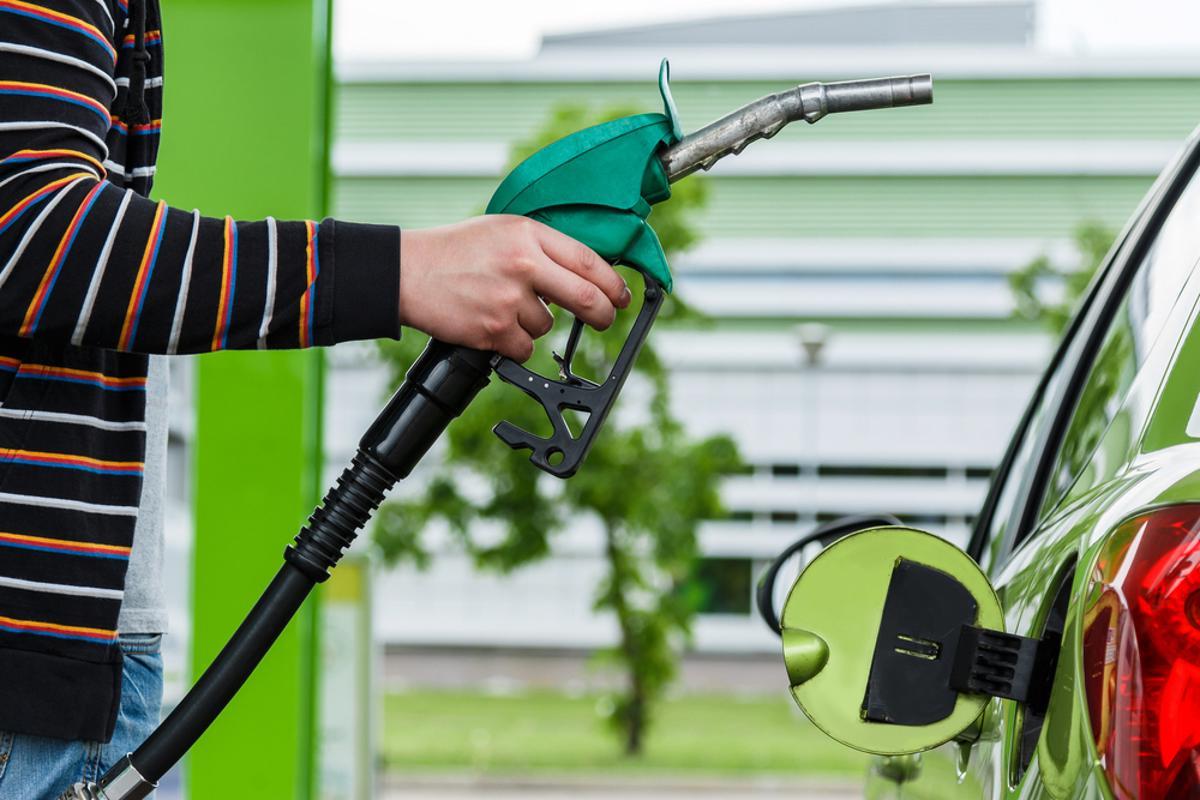 etanol combustivel abastecimento shutterstock 283692368