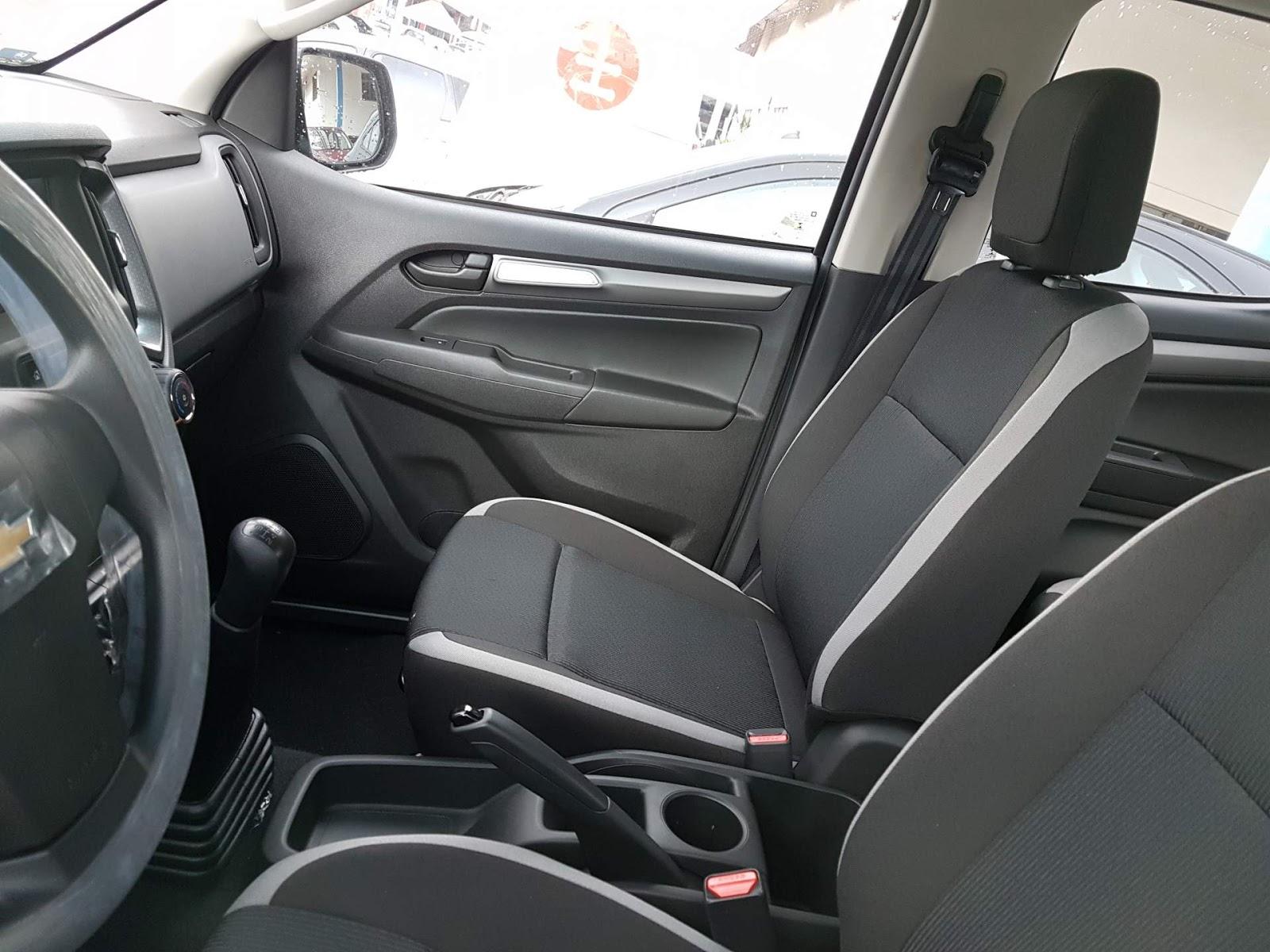 S10 Advantage - interior, bancos dianteiros