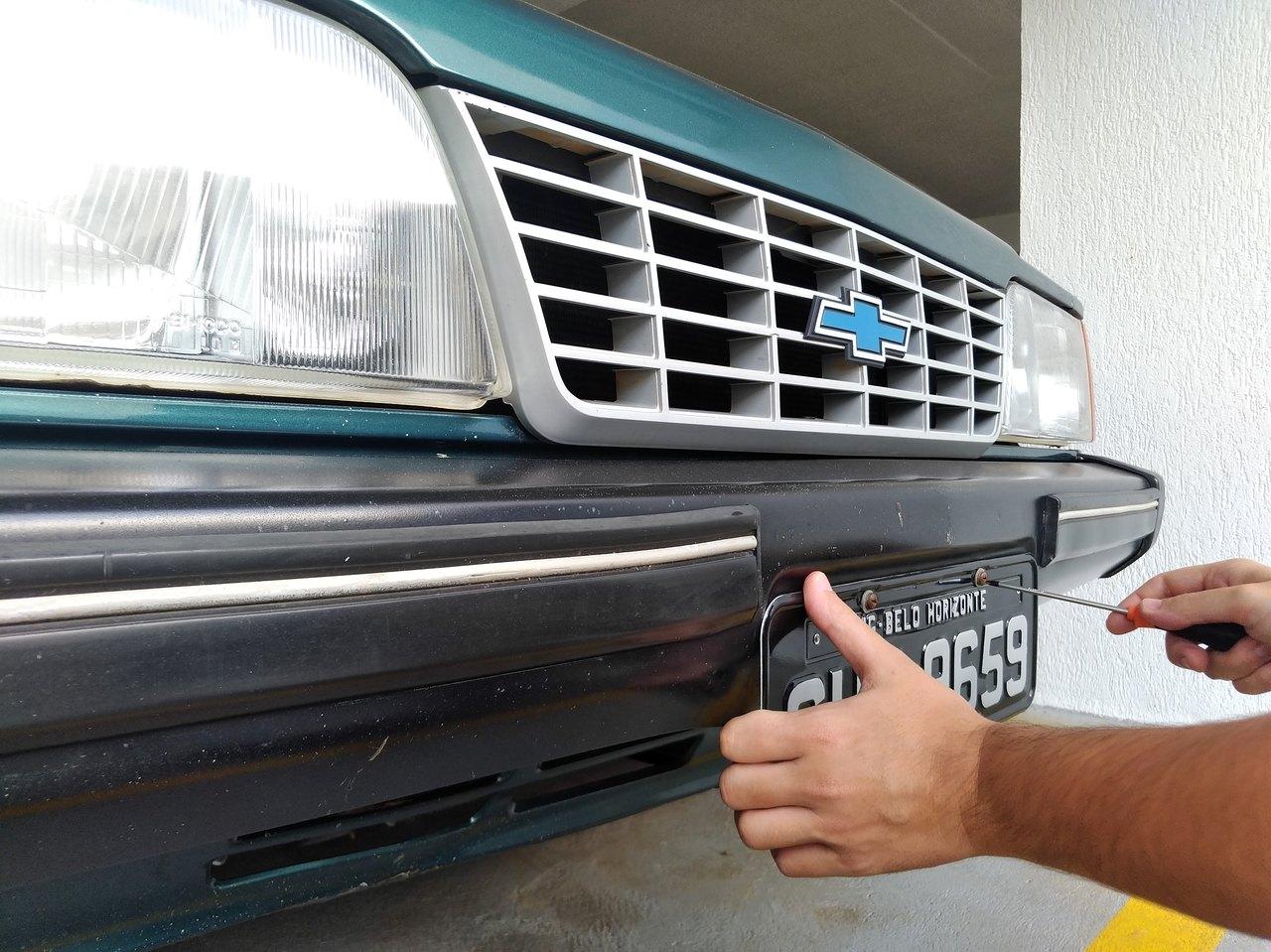 A partir de 1º de dezembro, as placas brasileiras vão mudar. Até 2023, todos os carros devem adotar as placas padrão Mercosul. O processo ficará mais fácil?