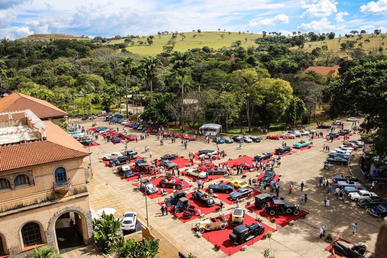 Leilão de veículos é uma das atrações de evento em Araxá