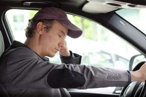 Carro detecta sono do motorista e sugere um cafezinho