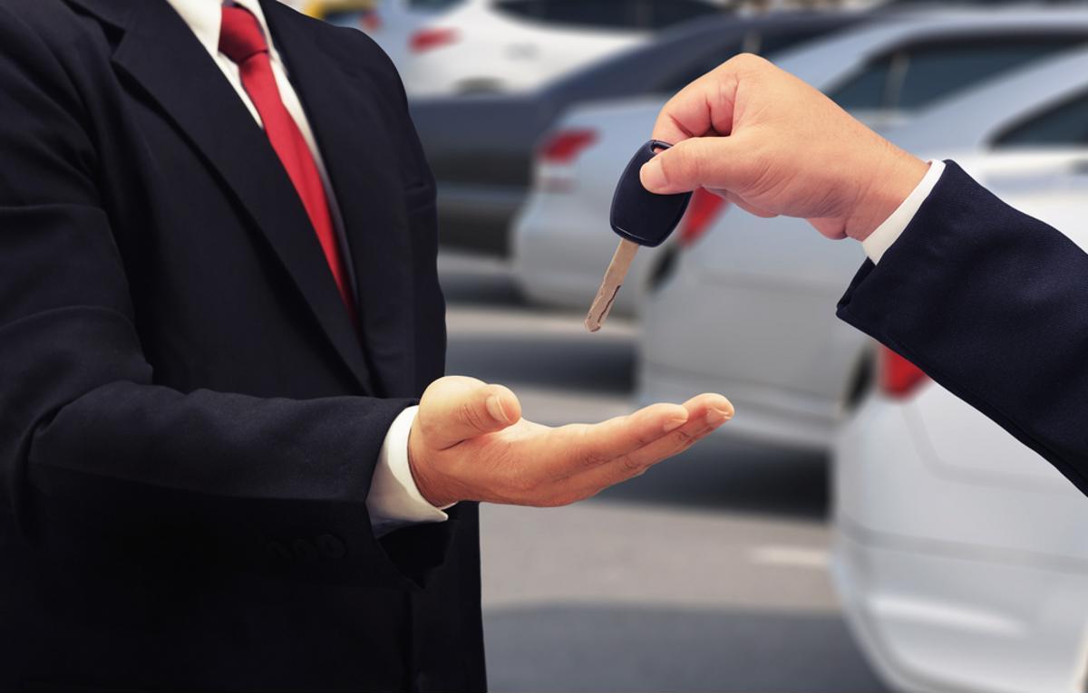 Será melhor negócio ter ou alugar um carro? Colocando as contas lado a lado, a resposta para essa pergunta vai te surpreender!