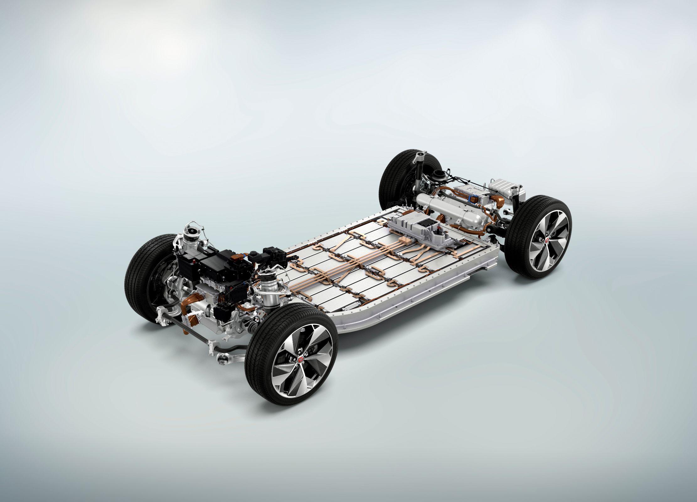 Baterias ficam no assoalho do Jaguar iPace