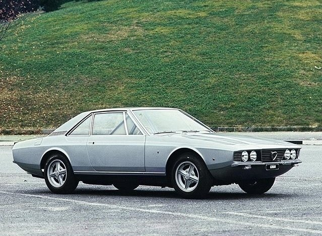 Nome de duplo sentido: Lancia Flaminia Marica
