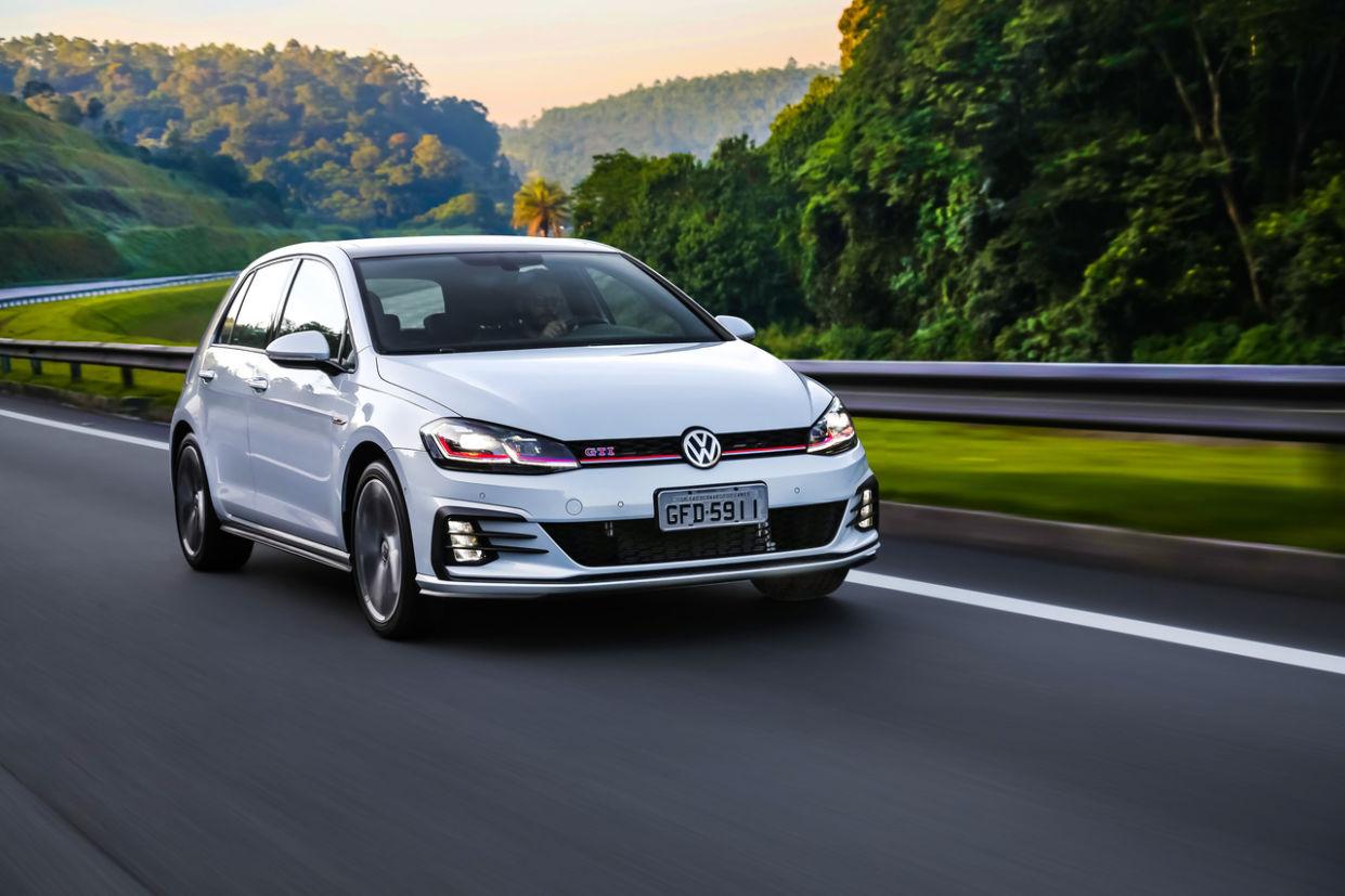 volkswagen_golf_gti__3__easy-resize.com_-1241x827 O que você acha? Os Carros são mais caros hoje? Veja os preços de 10 modelos dos anos 90