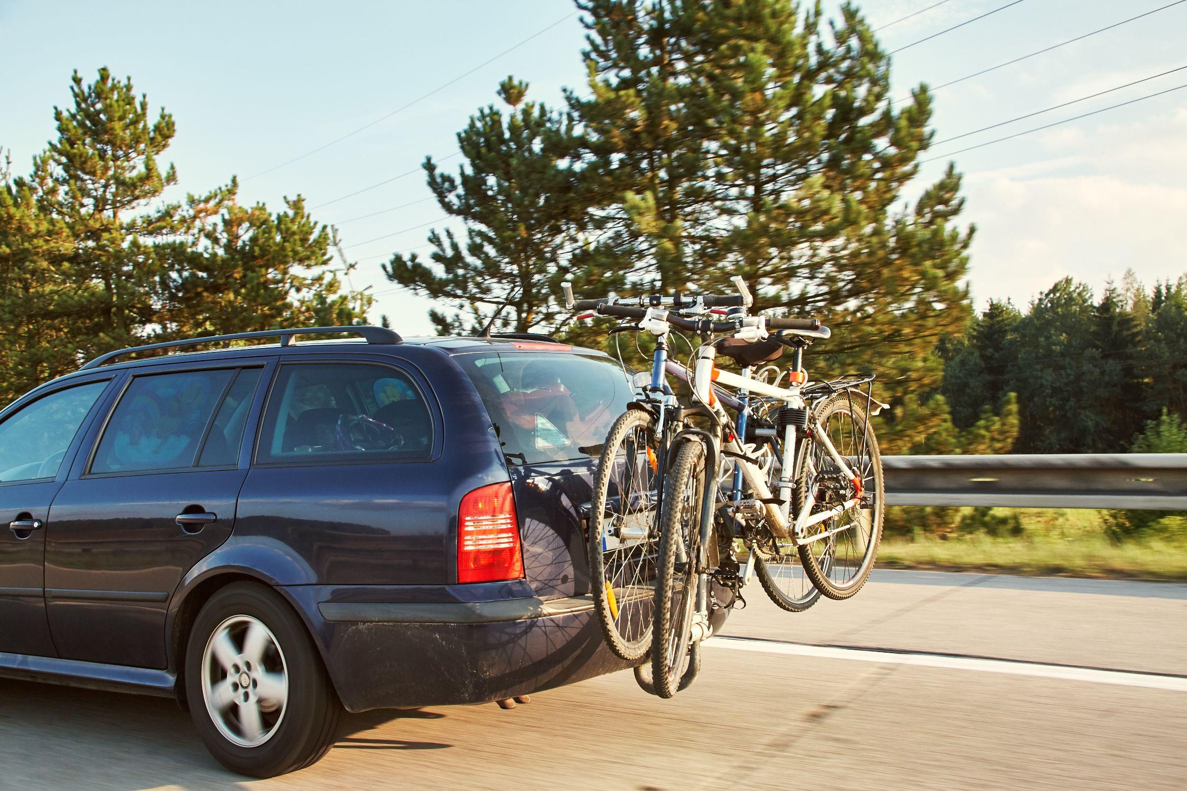 Transportar bicicletas não é tarefa simples... Para facilitar para os motoristas, o Contran fez uma resolução específica para o assunto.