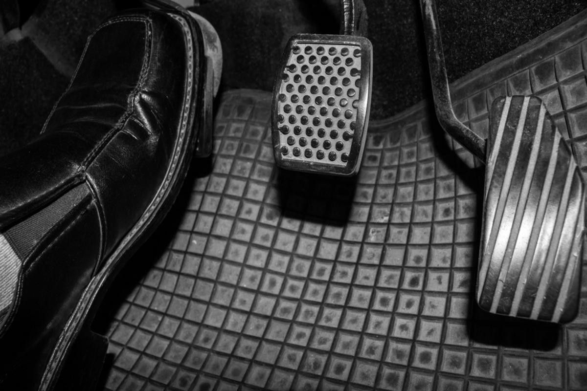 Controle de embreagem: é pior que manter o pé no fundo²
