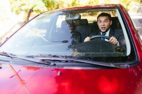 Atenção: é arriscado dirigir com a bexiga cheia!