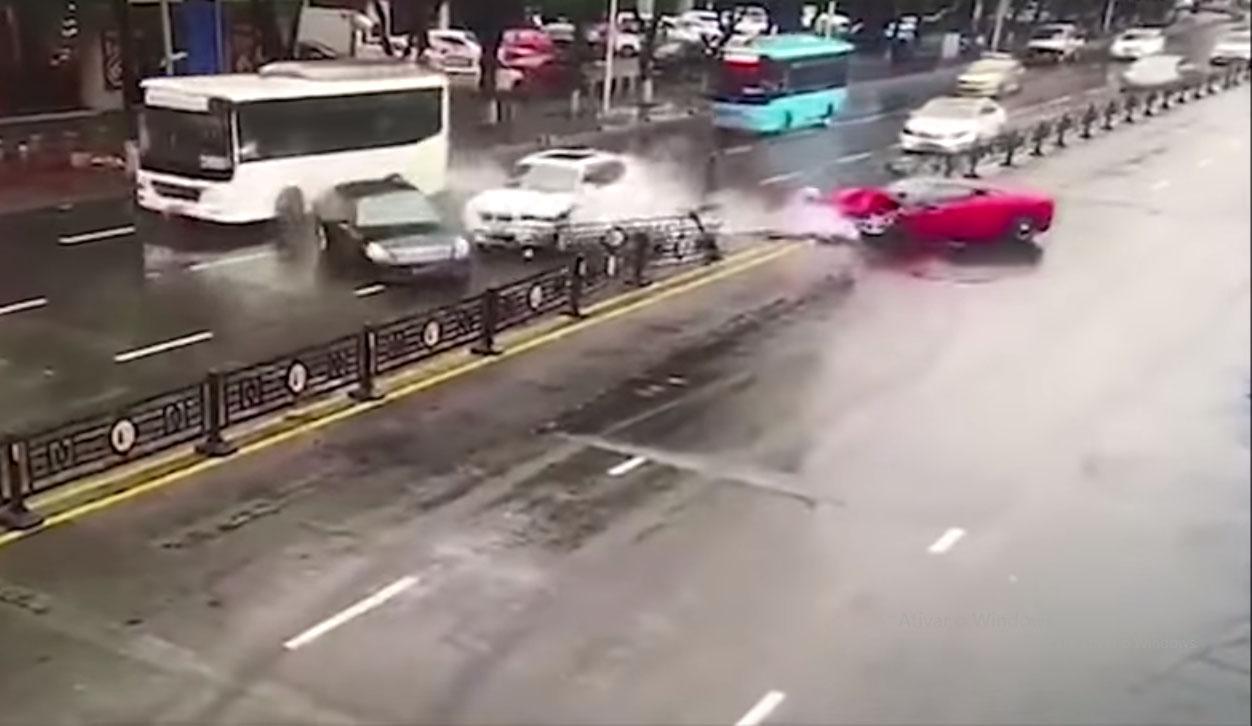 acidente ferrari china