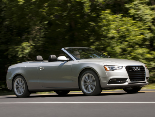 Problema no compartimento do motor de 185 unidades dos modelos Audi A4 Avant, A4 Sedan, A5 Cabriolet e A5 Sportback dão origem a recall.
