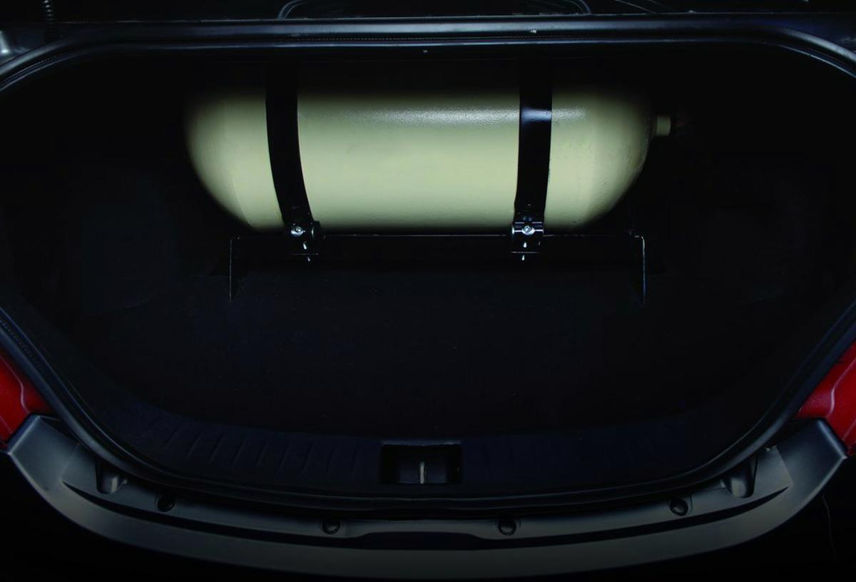 tanque de GNV no porta-malas