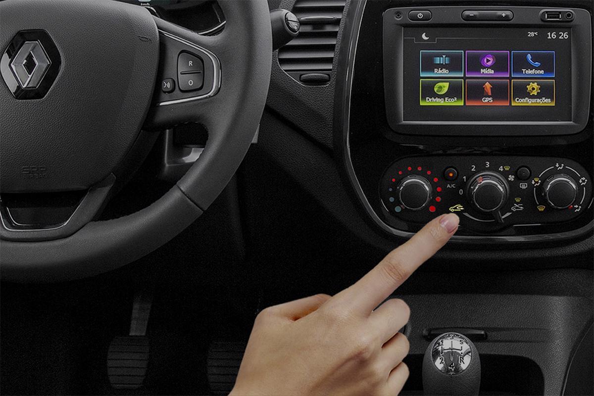 Tecla de recirculação do ar-condicionado. Da chave presencial à recirculação do ar-condicionado, a má utilização destes componentes são erros ao volante com graves consequências.