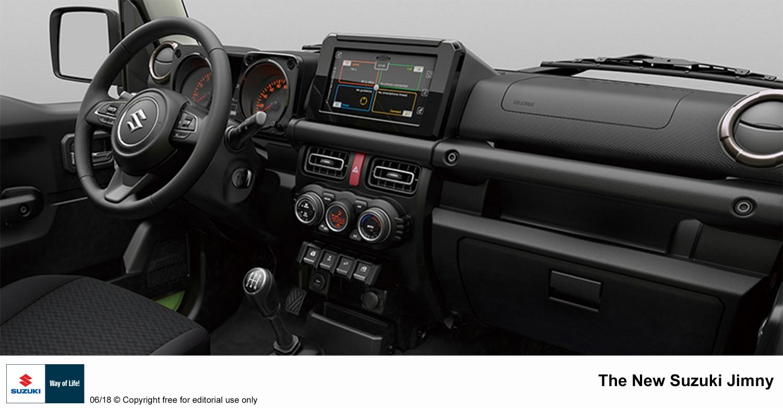 A nova geração do Jimny foi apresentada, na Europa, pela Suzuki. Modelo que será lançado no Brasil em novembro tem motor mais potente e visual inédito.