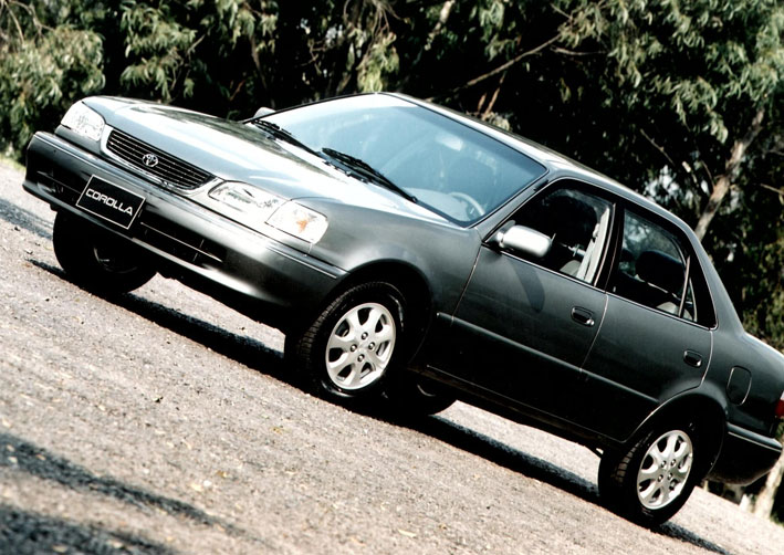 corolla-1998 O que você acha? Os Carros são mais caros hoje? Veja os preços de 10 modelos dos anos 90