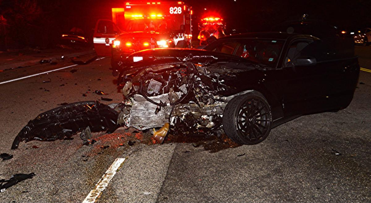Mustang após acidente nos Estados Unidos