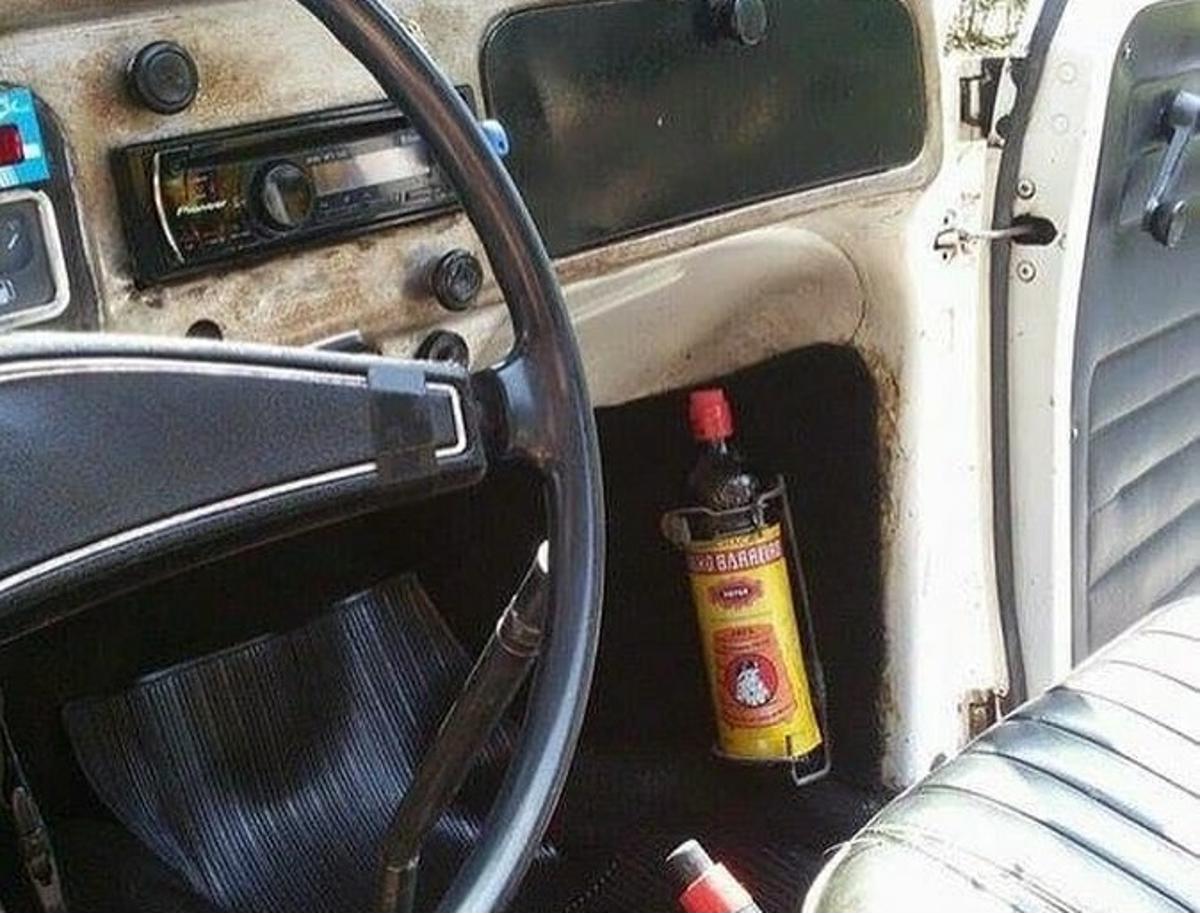 Transportar bebidas alcoólicas dentro do carro é infração?