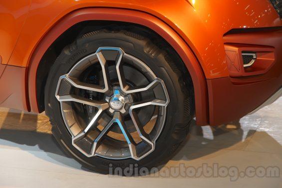 hyundai carlinohyundai hnd 14 wheel at auto expo 2016