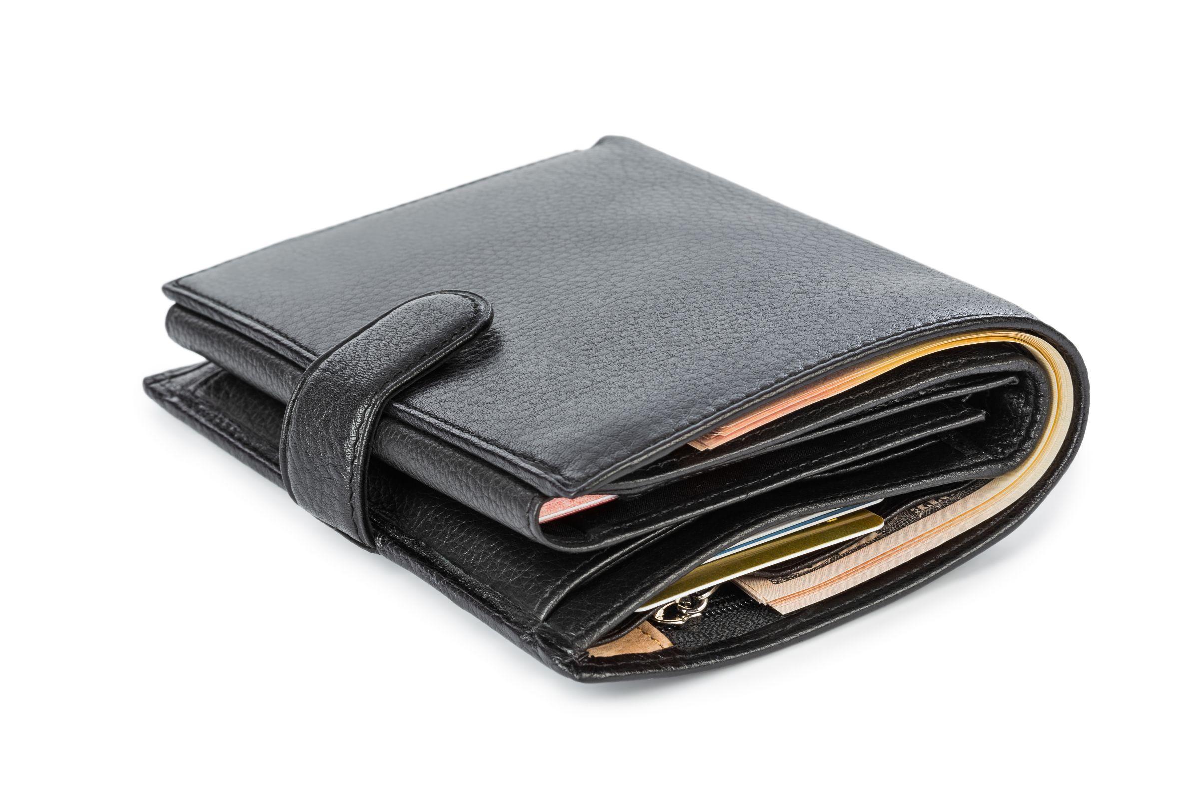 Segundo ortopedistas, carteira no bolso pode provocar dor no quadril