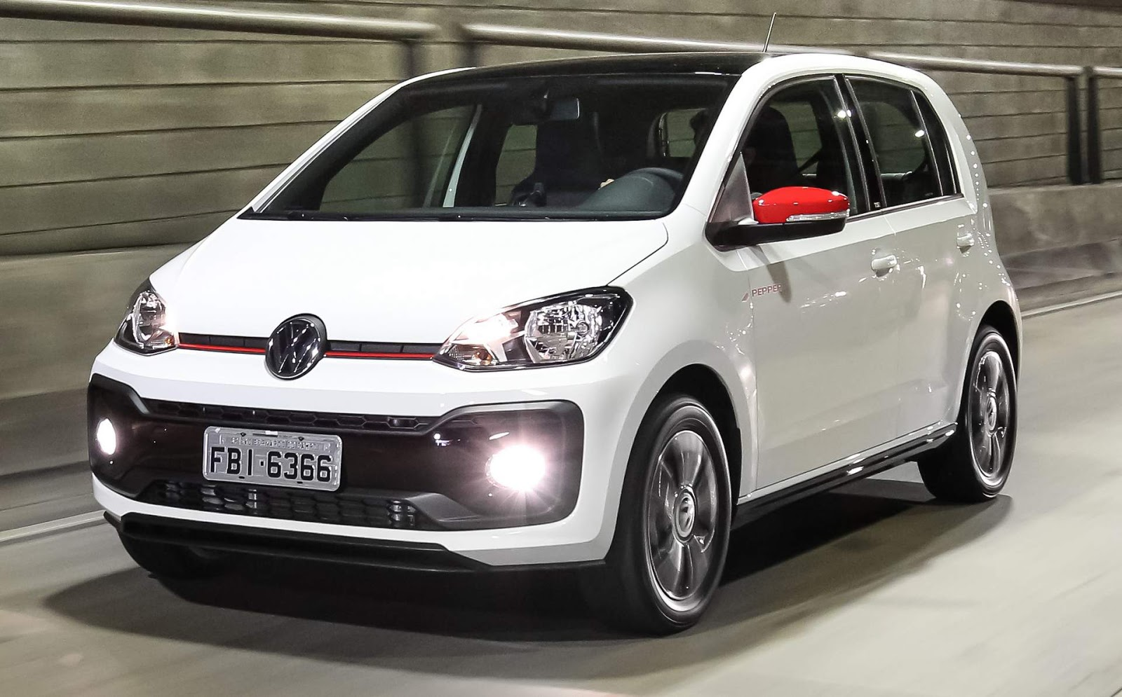 VW up! TSI Pepper branco