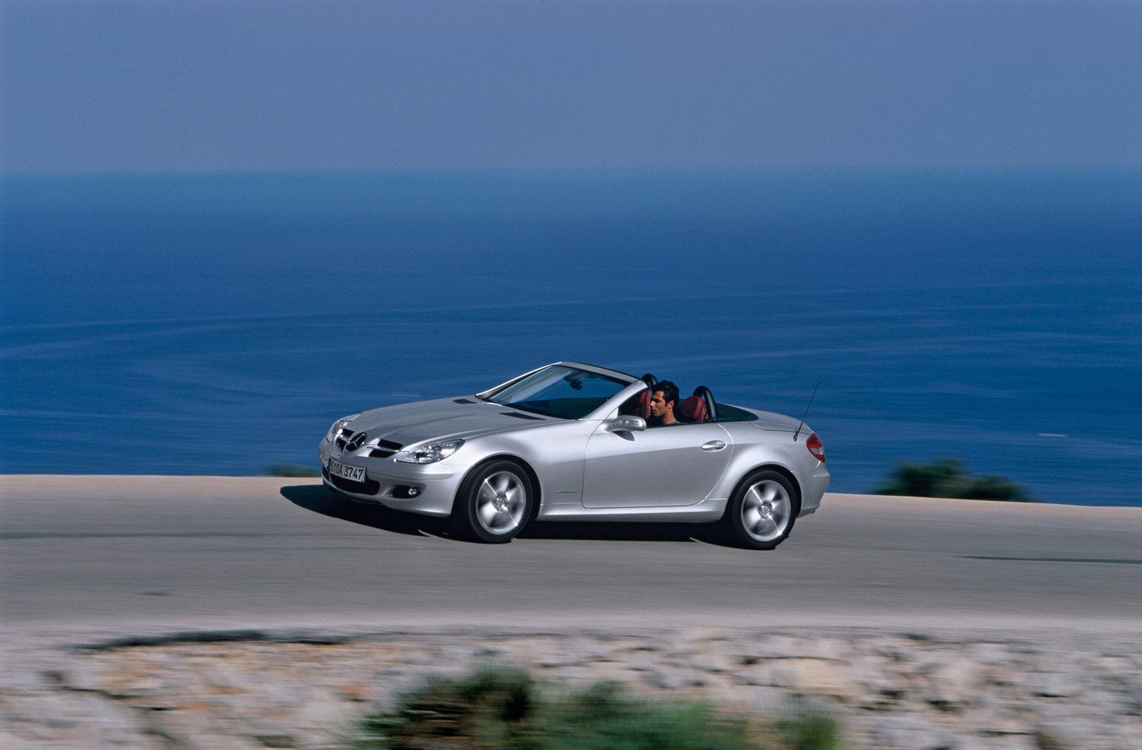 Problema no motor também atinge Mercedes SLK