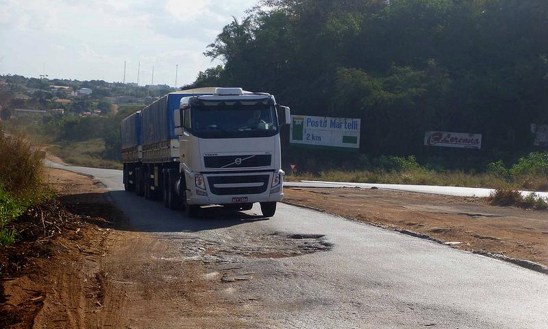 Preços de Carros no Brasil: Em uma pesquisa da Confederação Nacional de Transportes (CNT), em 2017, 61,8% das rodovias do país estavam em condições regular, ruim ou péssima.