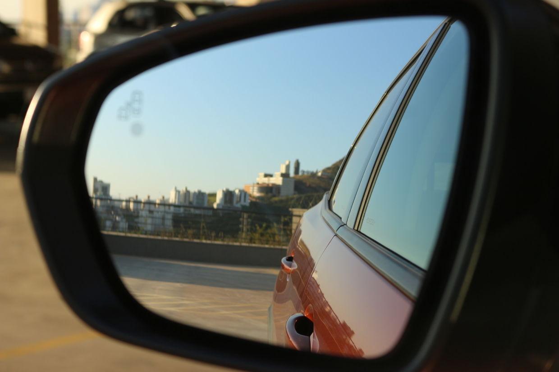 Pontos cegos: como regular os retrovisores corretamente