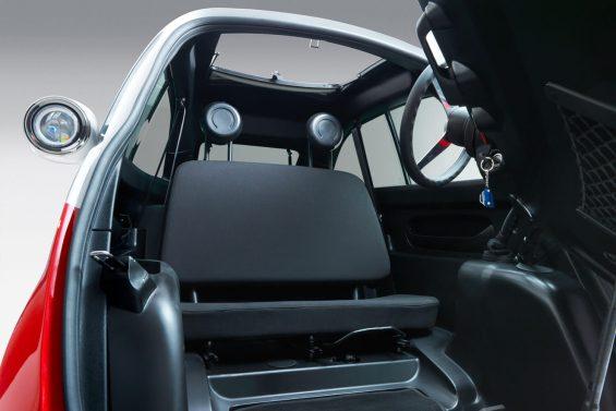 microlino car red interior 001