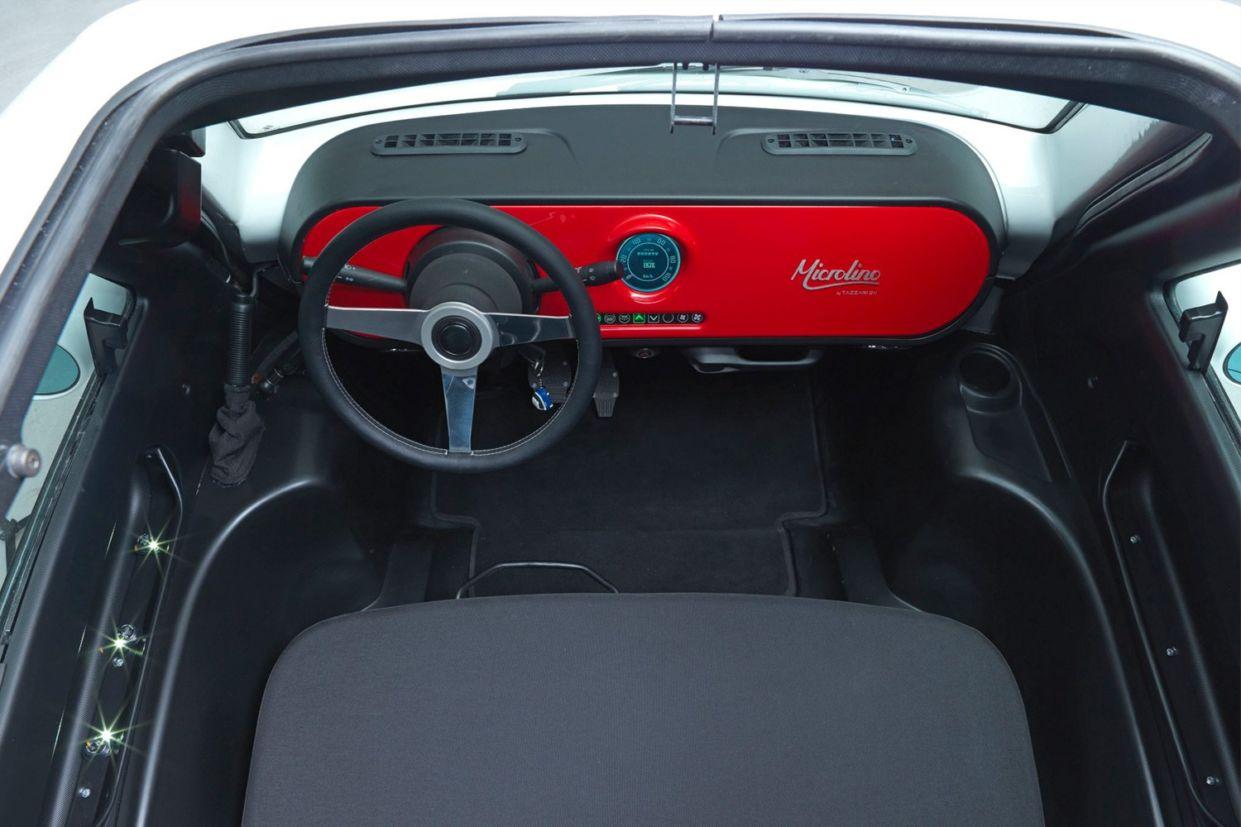 microlino car red interior 002