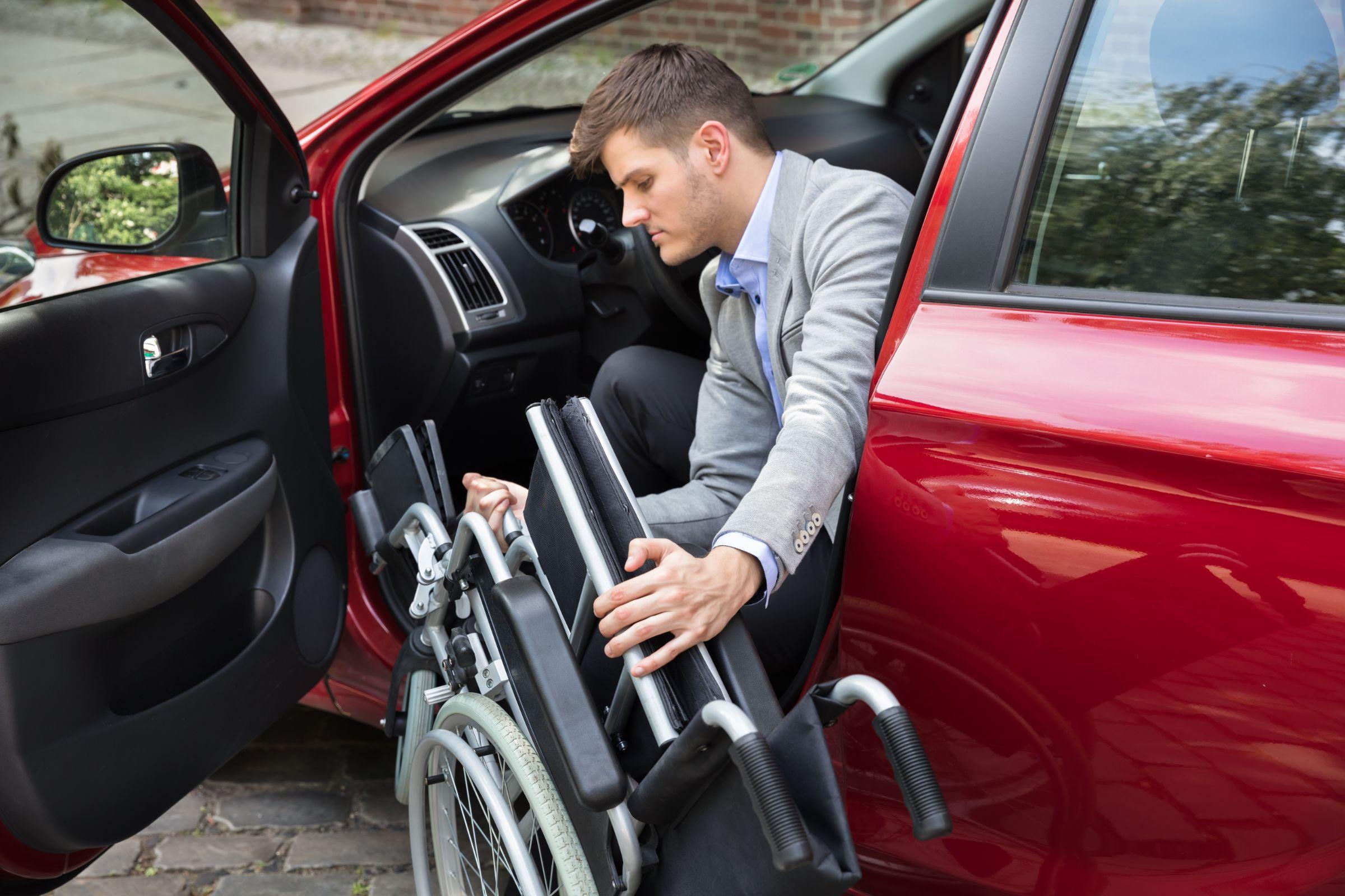 A Chevrolet anunciou a disponibilização da versão LT do Equinox para PCD por R$ 122 mil. Segundo a marca, a configuração foi cadastrada no canal de vendas diretas com a isenção fiscal para pessoas com deficiência.
