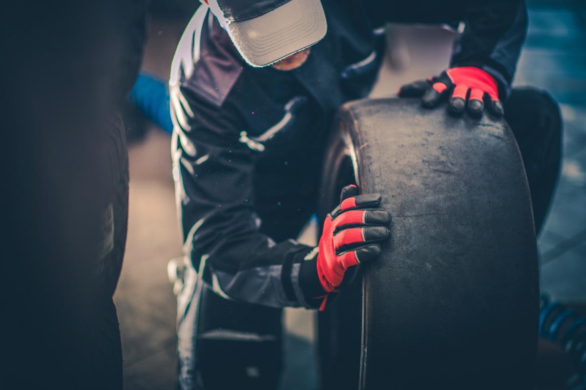 pneu slick liso careca formula1 shutterstock 1141109273