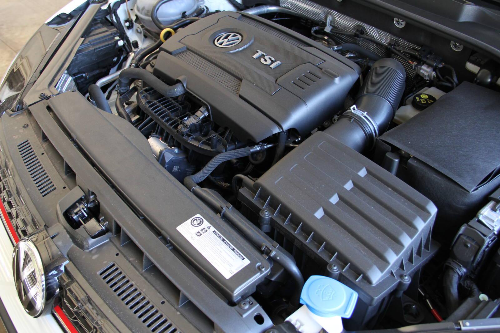 Motor 2.0 do VW Golf GTI tem tecnologias como turbo e injeção direta
