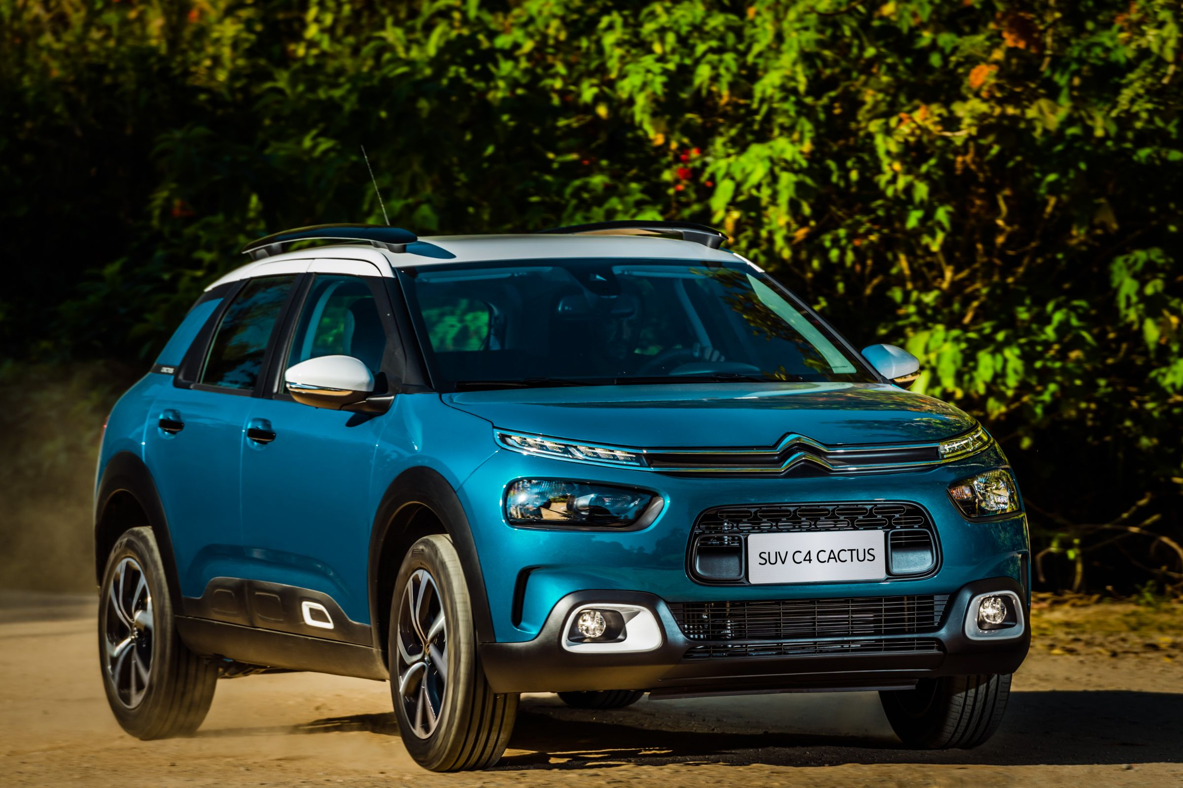 Foi lançado hoje o novo SUV da Citroën. O C4 Cactus chega ao mercado brasileiro com preços entre R$ 69 mil e R$ 99 mil. Confira versões, preços e fotos.