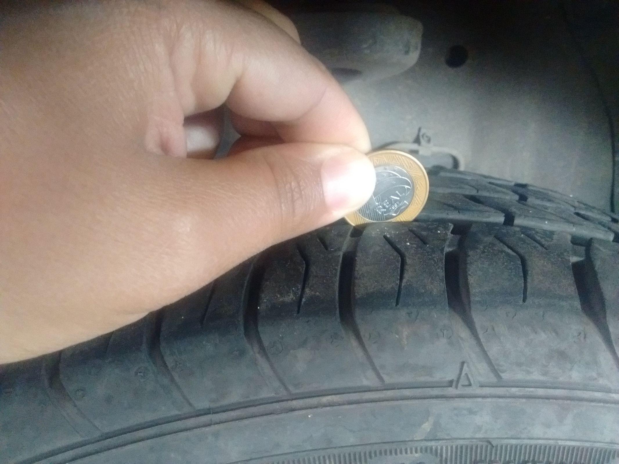 sulco mínimo do pneu