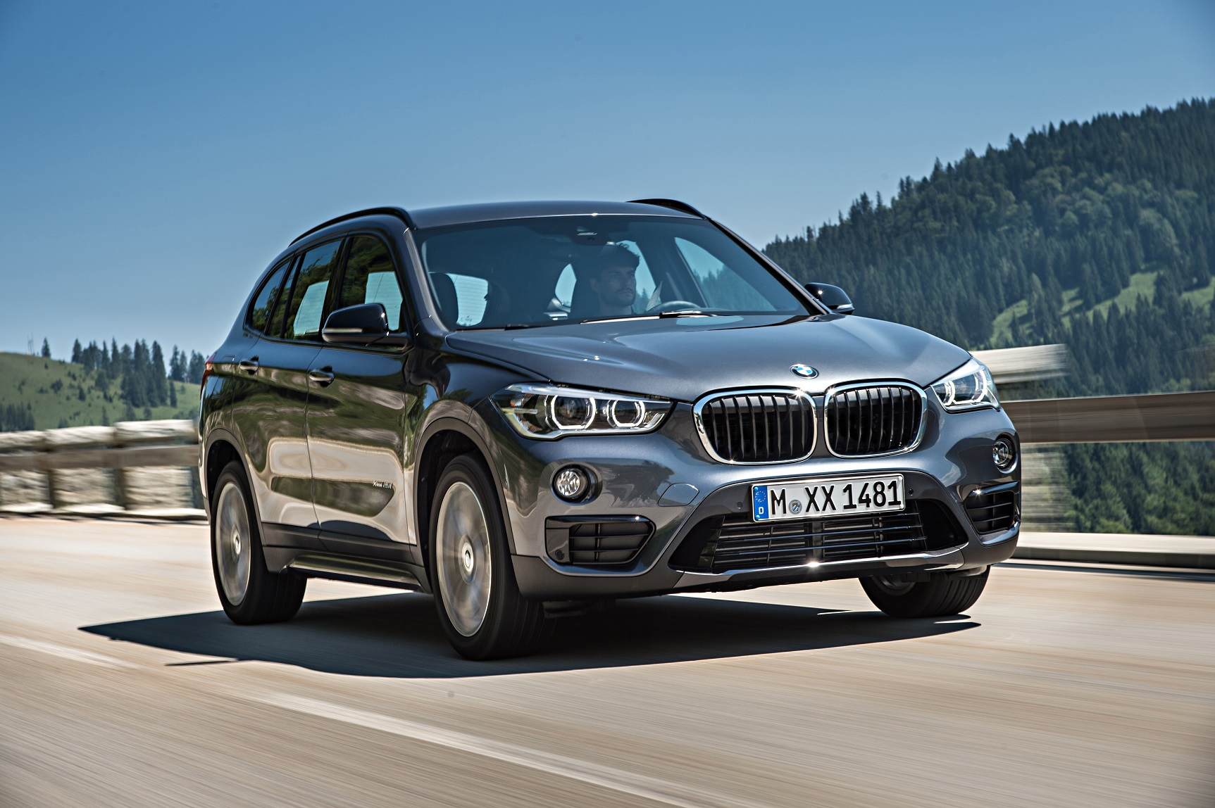 p90190730 highres the new bmw x1 on lo